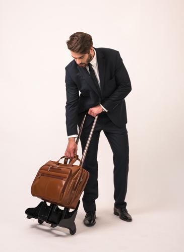 "Skórzana torba męska 2w1 na kółkach, podróżna, na laptopa 17"" brązowa Mcklein Ohare 86534"