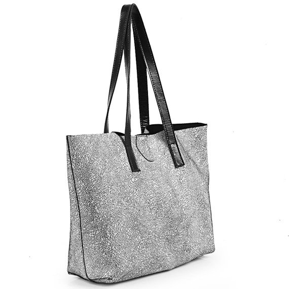 Skórzana torebka na ramię czarno - srebrna DAN-A T413