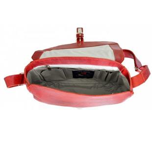 DAAG FUNKY GO! 22 czerwona torebka skórzana listonoszka