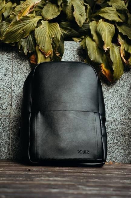 Męski plecak miejski na laptopa Solier SR01 FORRES czarny