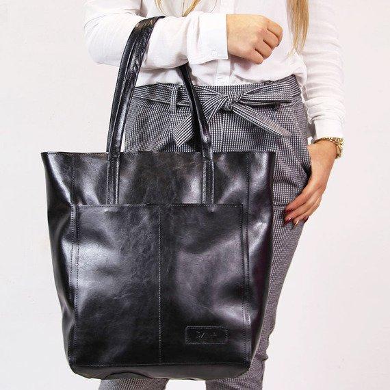 Skórzana torebka DAN-A T379 czarna
