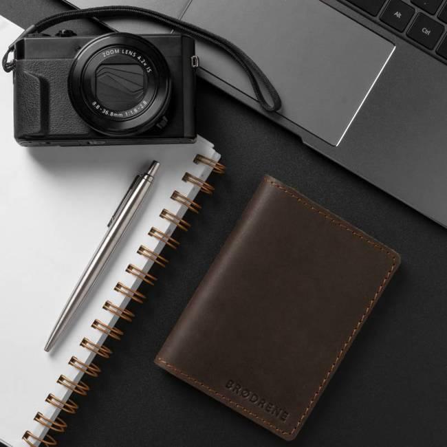 Skórzany cienki portfel slim wallet BRODRENE SW01 ciemnobrązowy