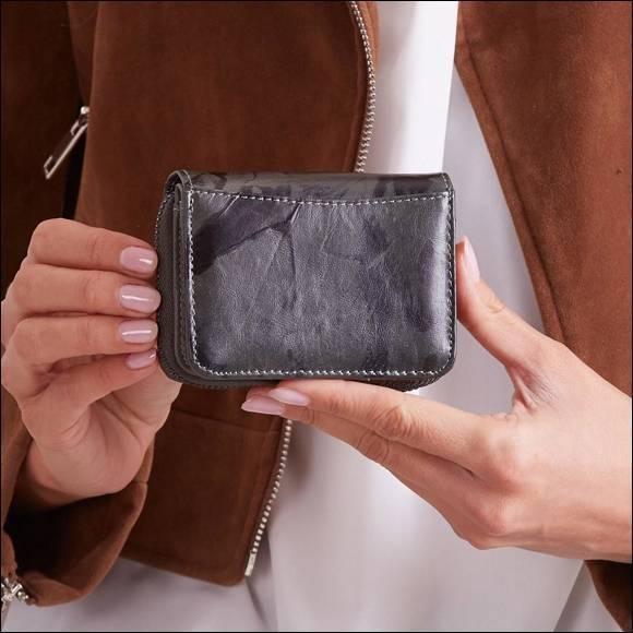 Skórzany portfel damski czarno - zielony Forever Young 5157