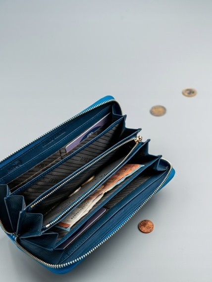 Skórzany portfel damski lakierowany niebieski RFID Rovicky